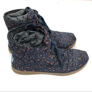 Toms Blue lace up shoes size W 12